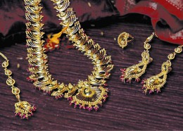 An exclusive necklace set of meenakari jadau jewelry of Rajasthan