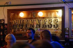 What is a Dive Bar? An Overview of Dives and Dive Bars