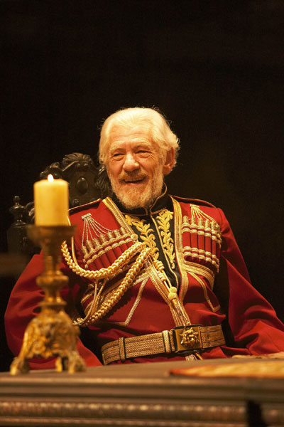 King Lear is a masterpiece of literary fiction.  Ian McKellen and Trevor Nunn have rendered the play in a masterful fashion.  PBS has broadcast the play, and now makes it available here, at Great Performances Online.  A masterpiece done in masterful