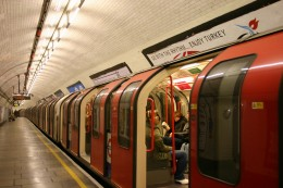 London Underground (Image Source: Jorcornelius, Wikimedia Commons)