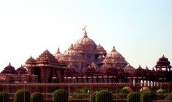 Akshardham Mandir - Most Famous Temple in Delhi