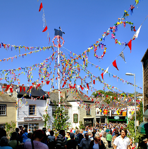 Padstow Maypole.   Photo by: Ennor