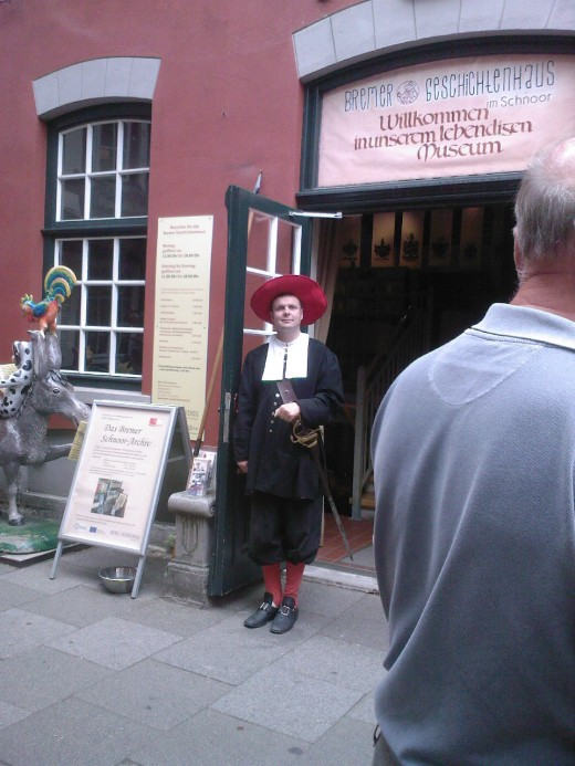 A city guard in his regalia (this is part of the city museum where people get to dress in historical costumes and see how life was like in Bremen).