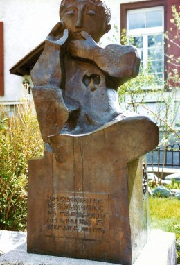 Photo of sculpture in Zermatt for those who love the Matterhorn