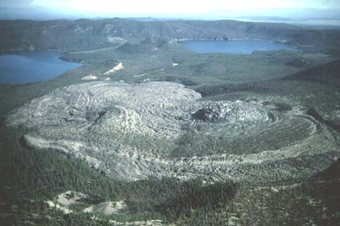 Obsidian flow Newberry Volcanic Monument  - Public domain photo