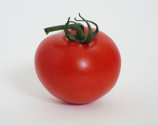 fresh green salad, tomato