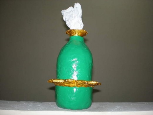 Another tissue holder made of pet-plastic bottle.