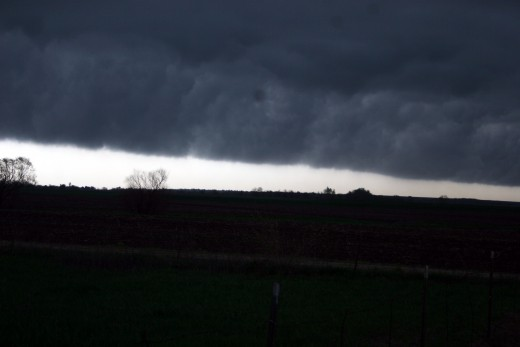 Wall cloud coming in from the southwest