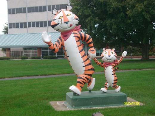 Tony the Tiger and Tony Jr.
