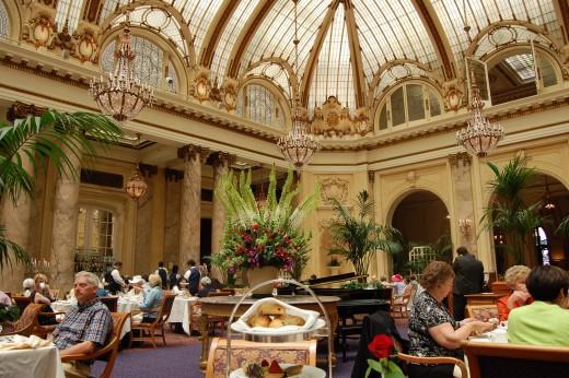 Palace Hotel Tea room ceiling