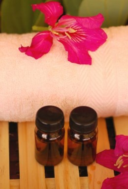 The use of organic oils in preventing stretch marks during pregnancy