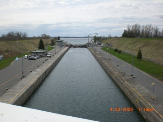 Canada-USA border (Photo courtesy of Electrician Arezza)