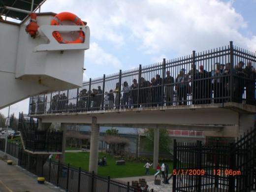 C/V Utviken (my vessel) bridge and Niagara crossing at Thorold, Ontario (Photo courtesy of Electrician Arezza)