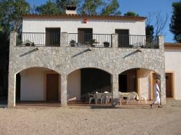 Main entrance to Mas les Cabretes