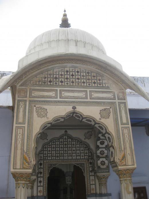 Main gate of Chandaprabhu Jain temple, Amber