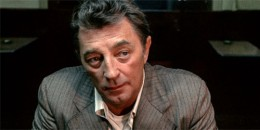 Robert Mitchum was also an author, composer and musician.