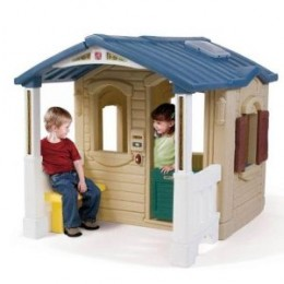 Step 2 Playful Front Porch Playhouse