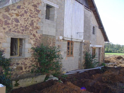 This is the gite. We have started to change it from a pig sty and tractor garage. Hay was stored on the top floor.