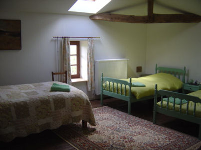 Bedroom 4 has three single beds and we can add another one. Bedroom 2 has a double bed and bedroom 3 has a double and a single. All in all 11 people can sleep here.
