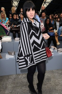 Bold Black and White Cape from Louis Vuitton worn by Songstress, Lilly Allen