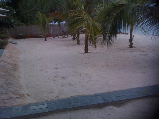 white sands, Linaw Resort