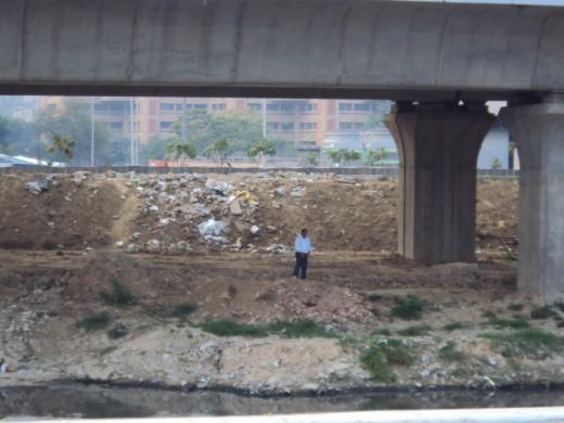 garbage thrown outside jnu soprts complex...