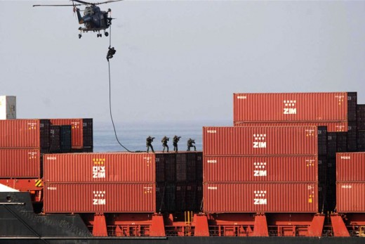 Dutch troops board hijacked container ship