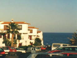 For sale in Tenerife a 2-bedroomed Canary Islands apartment in Amarilla Bay