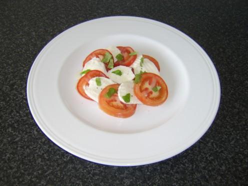 Tomato, Basil and Mozzarella Cheese Appetizer