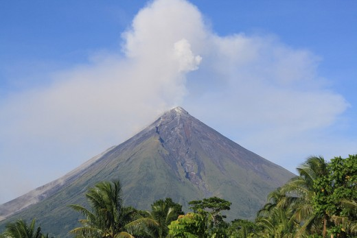 Mayon Volcano, Albay (image requires attribution)