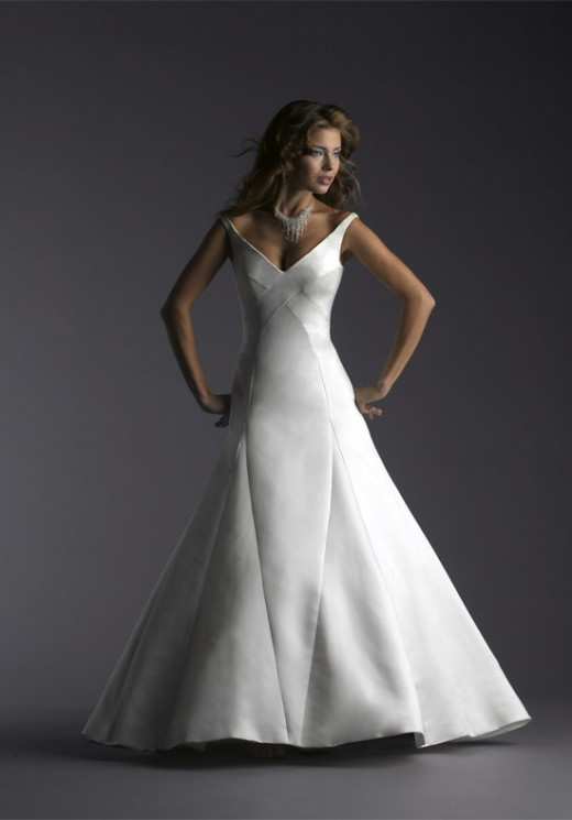 A classic A-line gown. Photo: Bellisima Couture.