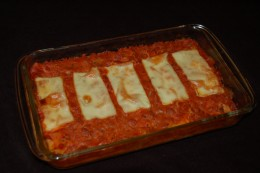 The recipe makes about 10 cannelloni or 5 servings. You can double or triple the recipe and feed up to 15 people. No time for boats? Use a large casserole dish!