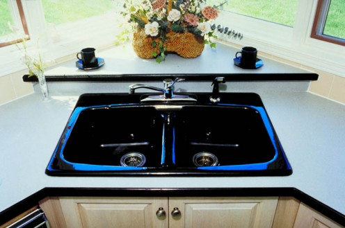 Eating over such a pretty sink seems like a shame