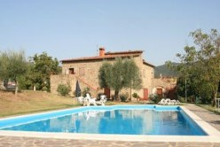 Tuscany Agritourism Apartments, Le Sette Vene, Swimming Pool. Photo by Tuscany Umbria Villas (flickr)