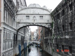 Bridge of Sighs, Venice, Italy. Photo by Eustaquio Santimano (flickr)