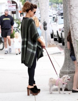 Kate Beckinsale in the Most wanted High Heeled Platform Clogs