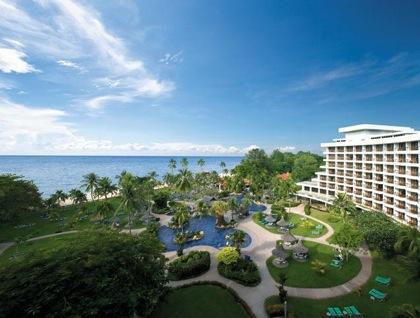 Swimming pools, inner garden and overview of Shangri-La Golden Sands Resort, Penang