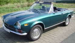 Fiat 124 Spider - Classic Cars