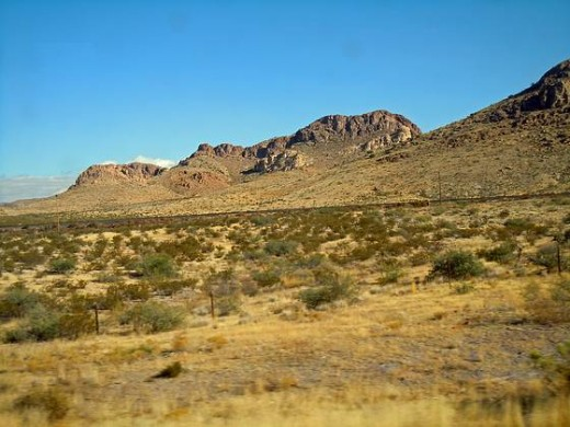 A view of desert and mountains in Arizona
