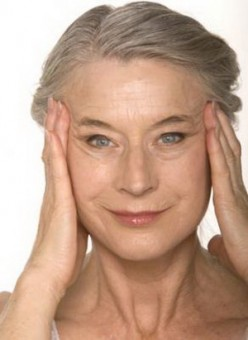 How to Cover Wrinkles and Reduce Fine Lines: Best Makeup Tips for Aging Skin and Older Women