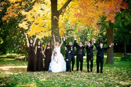 A great way to make a great photo, have the wedding party involoved