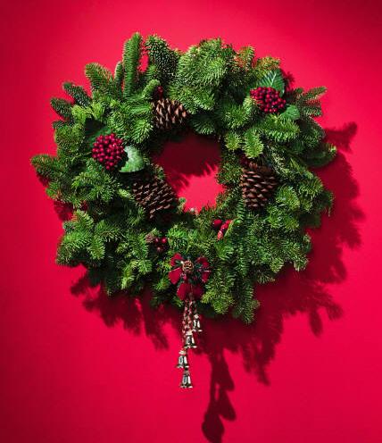 Elegant wreath from cydinternational.com