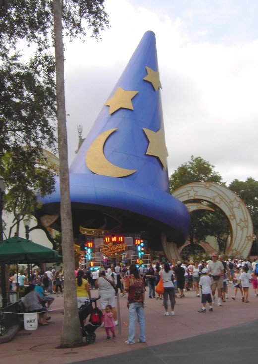 Some travel destinations, like Disney's Hollywood Studios at Walt Disney World, are open year-round and can be used as evergreen content.