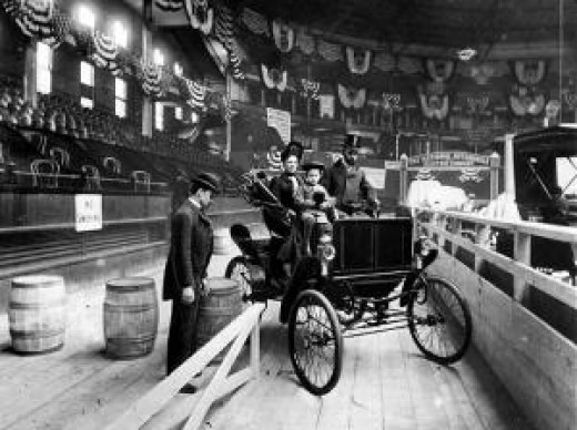 Horseless Carriage at New Yorks First Auto Show, 1900