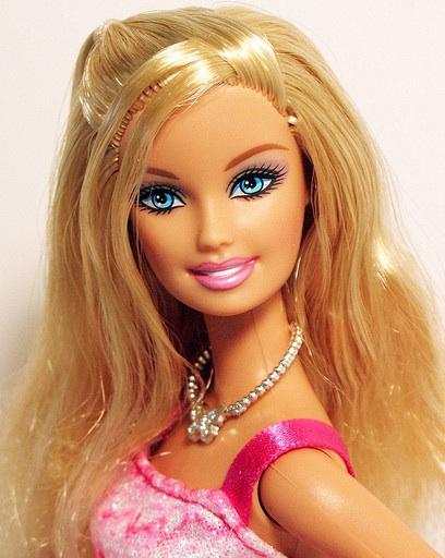 Barbie Fashionistas Glam Doll by Mattel