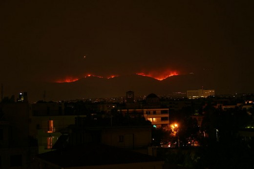 Night view of the fires, looking north from Athens.
