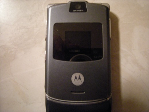 Motorola Razr flip phone reminds me of a Star Trek communicators