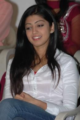 Praneetha photos