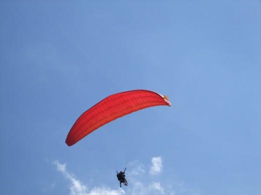 Para Gliding Olu Denez.