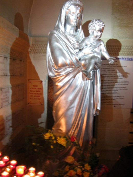 Statute of Virgin & Child in Crypt area of Lower Church